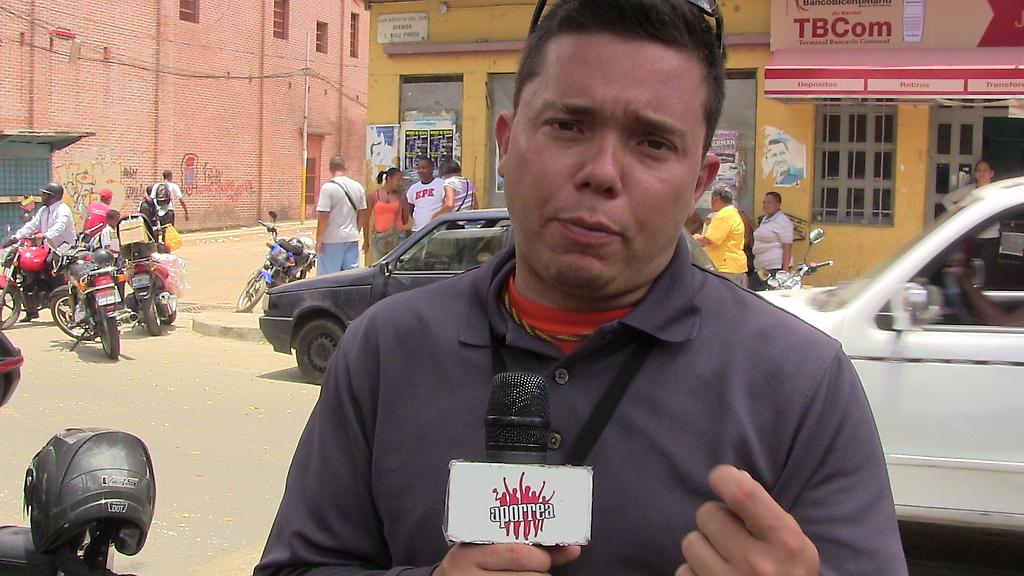 """Henán Canoera, recordó a Mao: """"Si quieres La Paz prepárate para La Guerra"""",  luego de la rueda de prensa en San Agustín del Sur"""