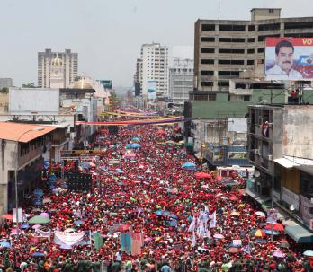 Concentración en apoyo a Maduro en la Avenida Bolívar de Maracay