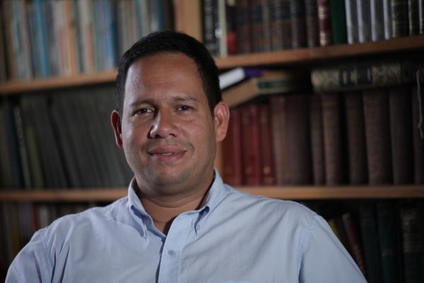 Politólogo Miguel Jaimes,  columnista en medios nacionales e internacionales, profesor ULA y experto petrolero