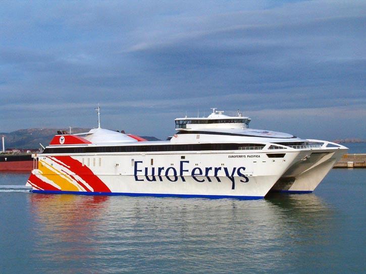 Ferry de alta velocidad de Euroferrys Pacifica (foto referencial)