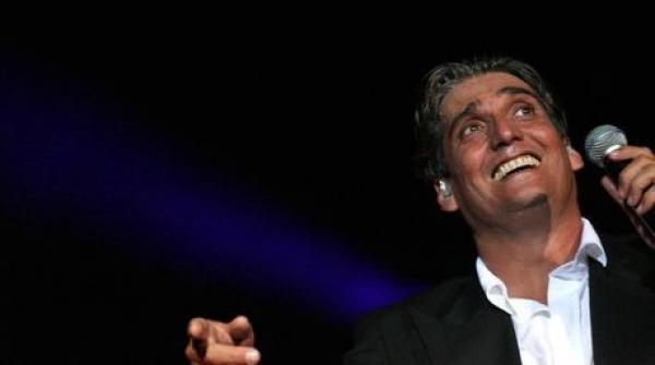 El cantante y actor adepto a la burguesía Guillermo Dávila