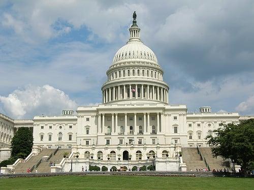 El Congreso de EEUU nuevamente interviene en los asuntos internos de países latinoamericanos.
