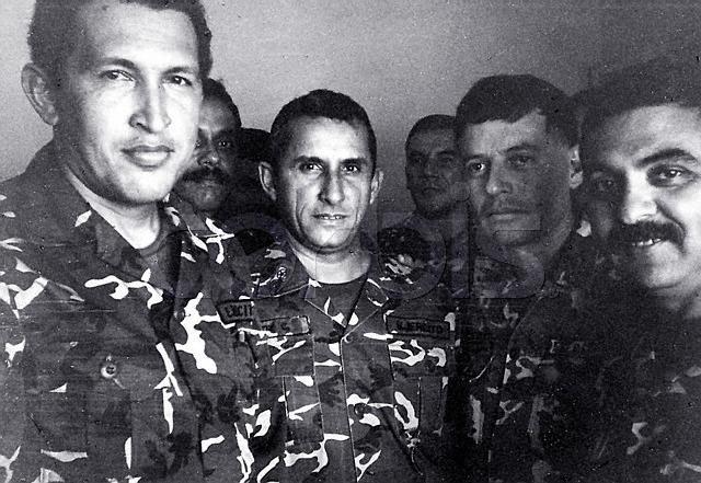 """""""...Vendrán nuevas situaciones y el país tiene que enrumbarse definitivamente hacia un destino mejor"""" dijo el comandante Chávez el 4 de febrero de 1992"""