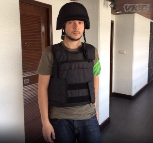 Timothy Pool ES UN mercenario de la información,TIENE CARITA DE NIÑO BUENO, llegó en un plan de crear campañas mediáticas contra  LA REVOLUCIÓN