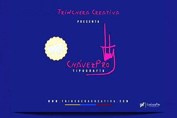 """ChávezPro nace inspirada en la particular caligrafía de Chávez y Trinchera Creativa la presenta como """"una tipografía caligráfica que transmite urgencia y celeridad con una asimetría poco usual, lo que la convierte en una buena elección al momento de divulgar eficientemente un mensaje""""."""