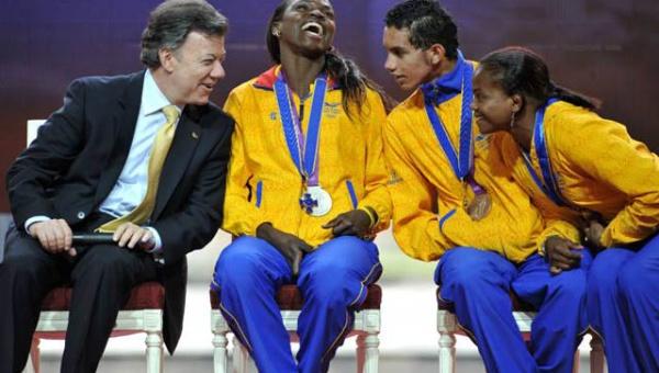 La gestión de Santos prometió en 2012 un estadio a la atleta colombiana que hasta la fecha no se ha podido completar.