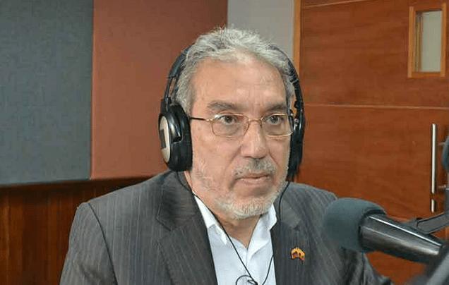 El embajador de Ecuador en Venezuela, Rafael Quintero López