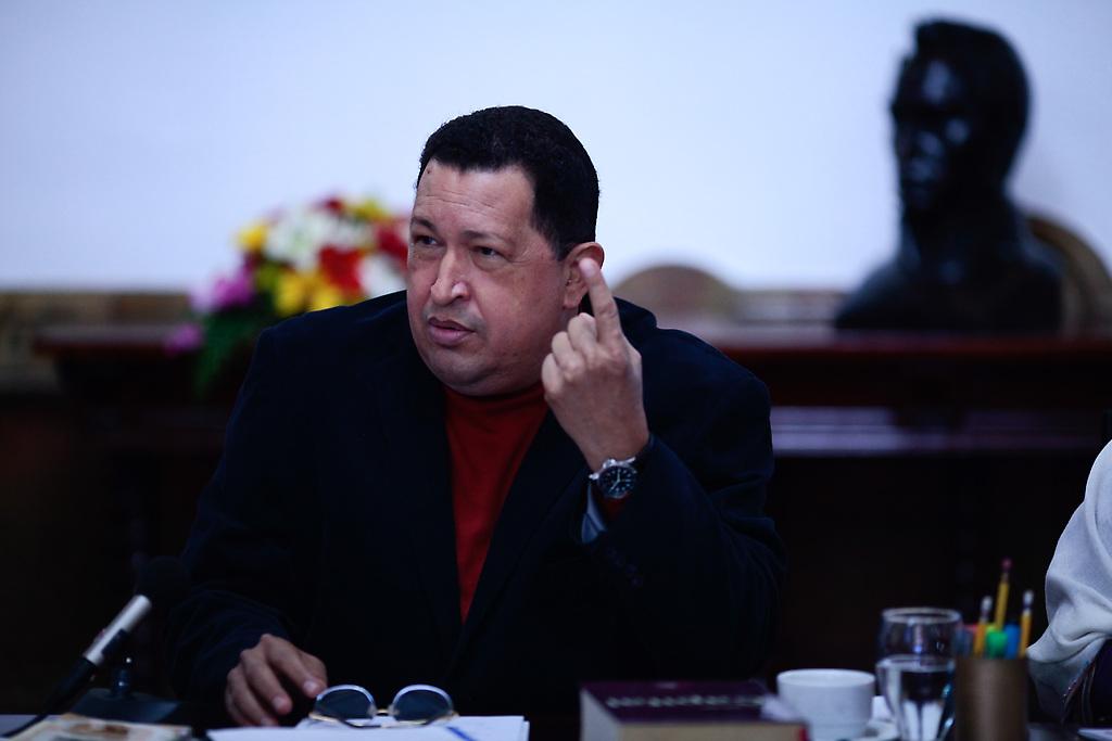 el Comandante hizo un llamado a la crítica y la autocrítica, a multiplicar la eficiencia, fortalecer el Poder Comunal y desarrollar el Sistema Nacional de Medios Públicos.