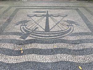 Calcada portuguesa barcos