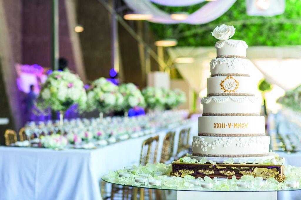 Julie Deffense wedding cake