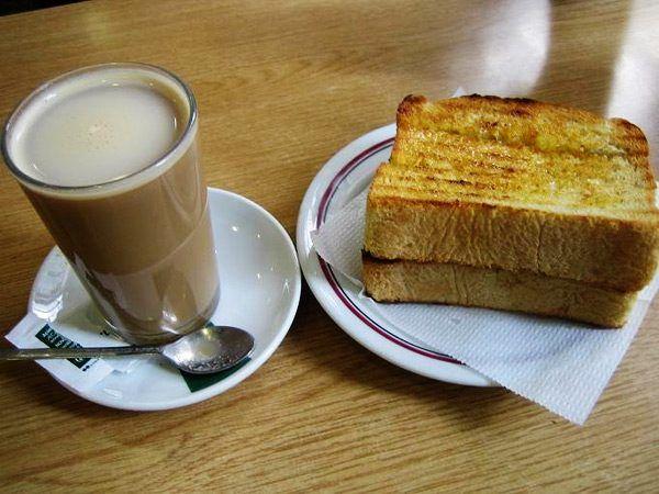 Galão and toast