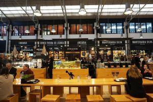 Mercado da Ribeira seating