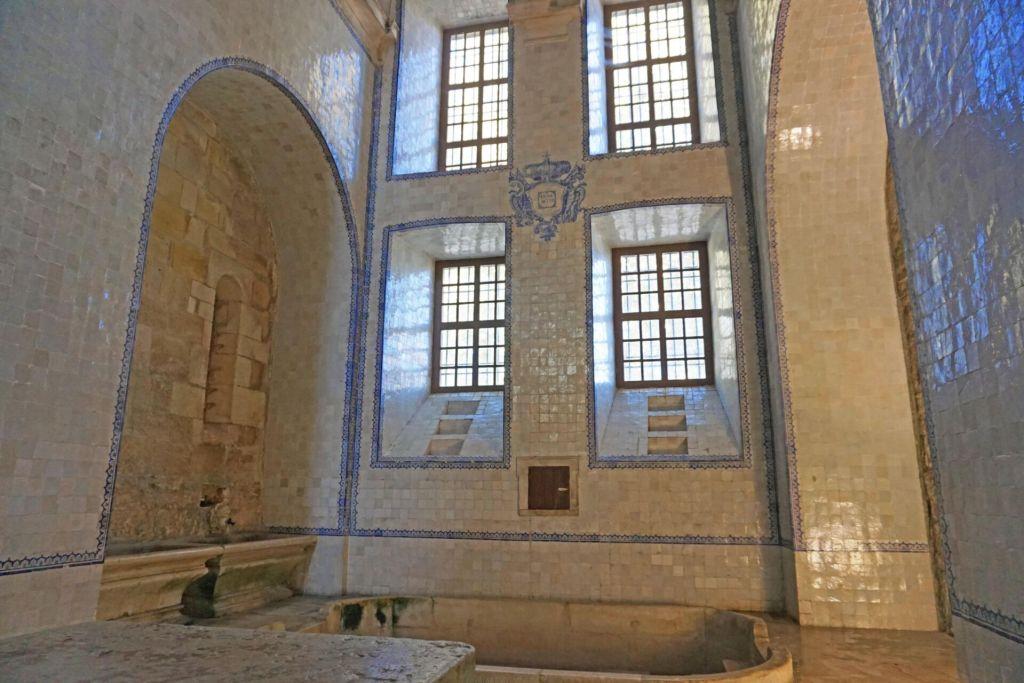 Mosteiro de Alcobaça kitchen