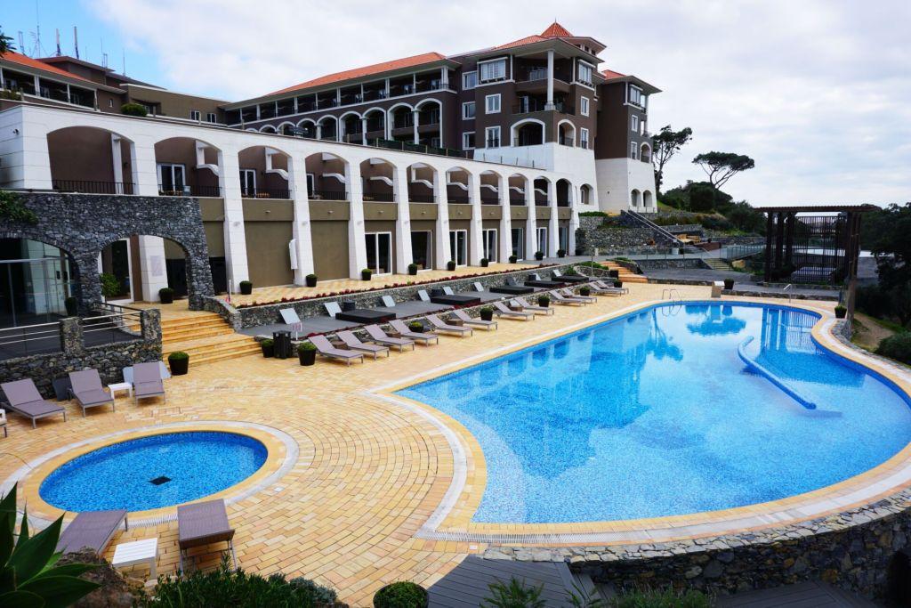 Outdoor pool Penha Longa