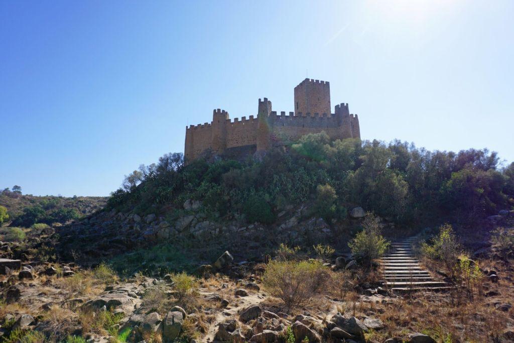 Castelo de Almourol from land