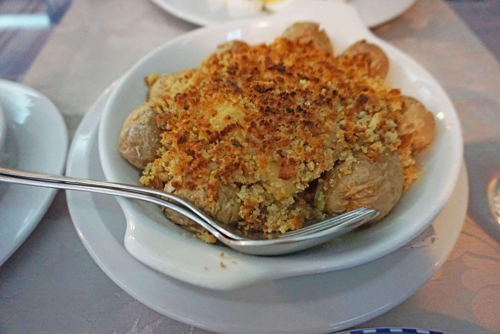 Mesa da Sé bacalhau com broa