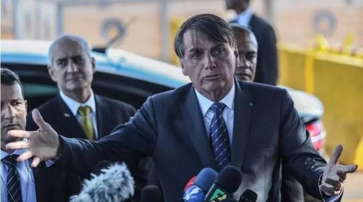 """Bolsonaro: """"Se a gente não tiver voto impresso, pode esquecer eleições em 2022."""""""