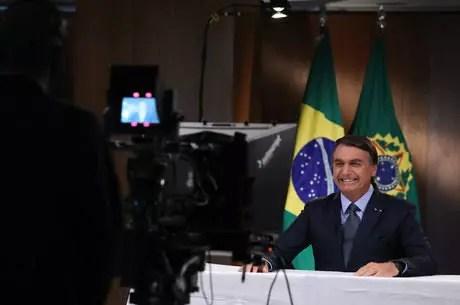 Site ensina como pedir na justiça o auxilio de US$ 1 mil (R$ 5.600). Como disso Bolsonaro à ONU.