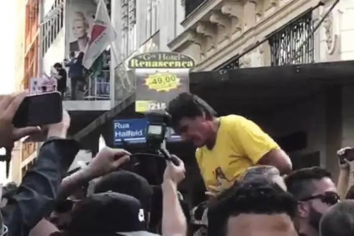 """FACADA NO """"MITO"""": Há dois anos, a maior farsa eleitoral da história do Brasil mudaria o destino do país."""