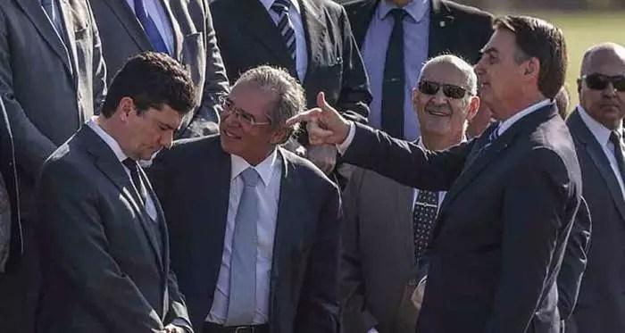 New York Times: Moro, um juiz corrupto que corrompeu a justiça e, com Bolsonaro, destruiu o Brasil