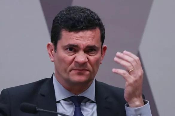 """Moro foi tão bom no """"combate à corrupção"""" quanto Pazuello é craque em logística"""