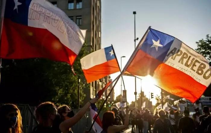 Histórico, Chile enterra a ditadura Pinochet e escreverá a sua nova constituição