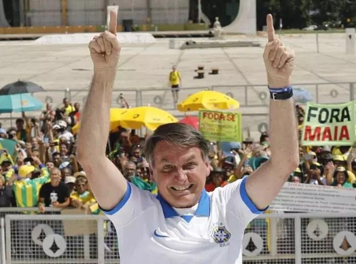 Bolsonaro tem que ser interditado, senão, em um mês o Brasil passará de 300 mil mortes
