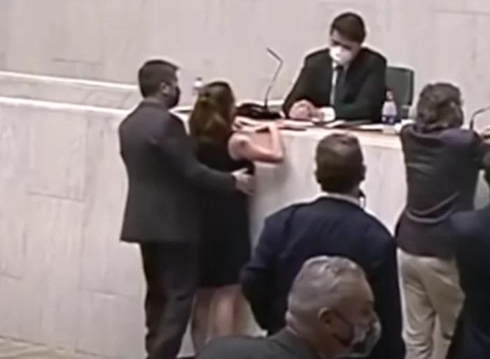 Vídeo mostra Deputado Fernando Cury apalpando seios da colega na Assembleia Legislativa de São Paulo