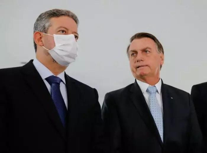 Faminto por cargos, Centrão quer 'desmilitarizar' o governo Bolsonaro