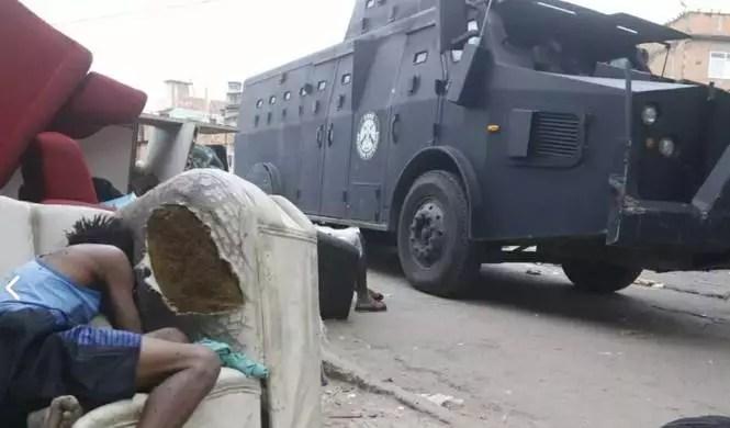 Chacina com 25 mortos é motivo para saída do governador bolsonarista do Rio