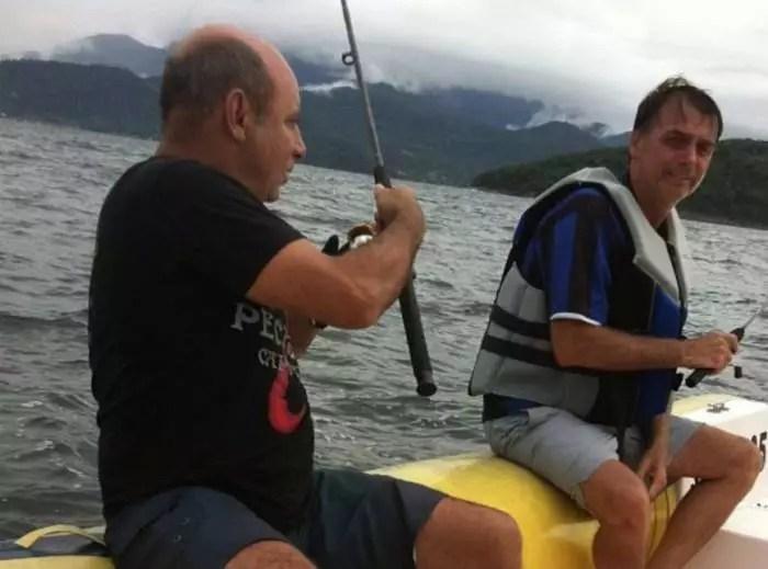 O Uol e as provas contra o capitão das rachadinhas, Jair Bolsonaro