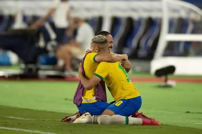 Futebol: Brasil é bi-campeão olímpico em jogo contra a Espanha