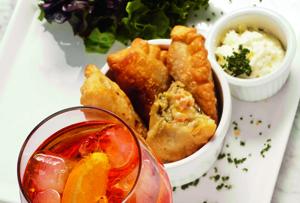 Empanaditas de ostión, salmón y cebollín