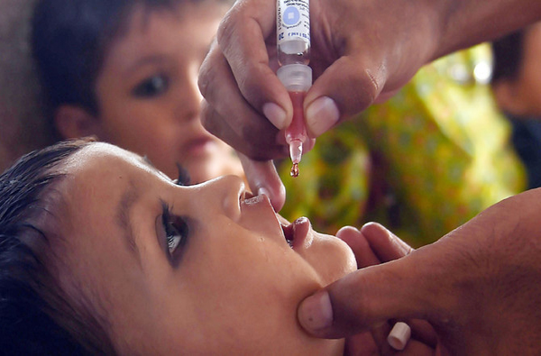 Nationwide polio immunization drive continues | Associated Press Of Pakistan