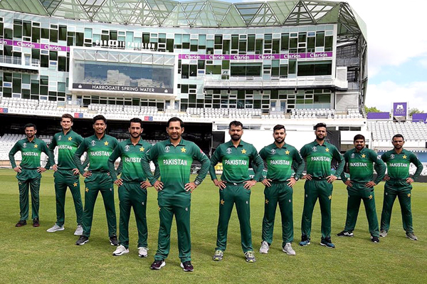 Pakistan's elite sportspersons get behind the men's cricket team