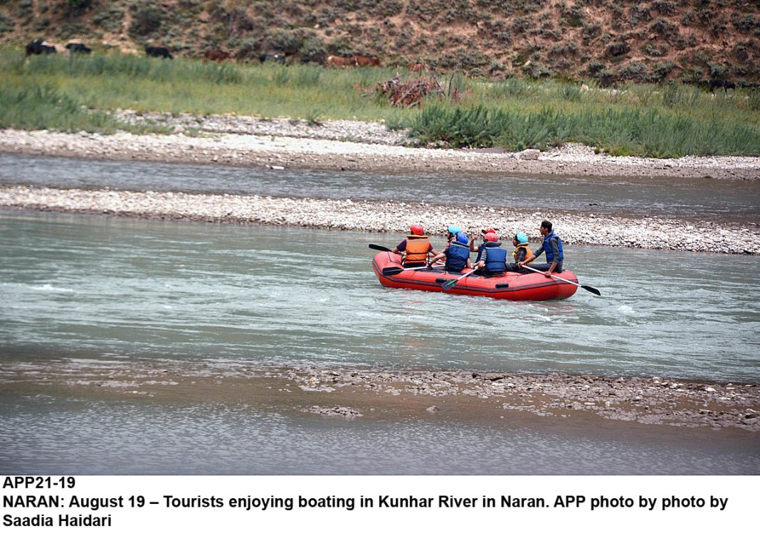 NARAN: August 19 – Tourists enjoying boating in Kunhar River in Naran. APP photo by photo by Saadia Haidari