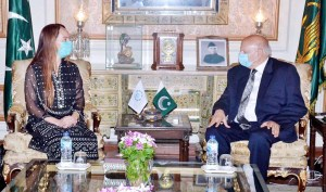 ISLAMABAD: August 27 – Governor Punjab Chaudhry Muhammad Sarwar in a meeting with President Of Inter-Parliamentary Union (IPU), Ms. Gabriela Cuevas Barron. APP