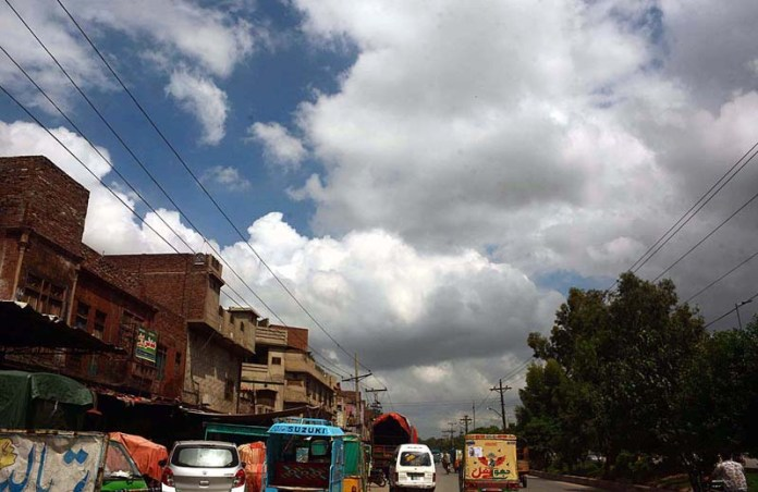 FAISALABAD: September 01 - A view of thick clouds hovering over the skies of the city. APP photo by Tasawar Abbas