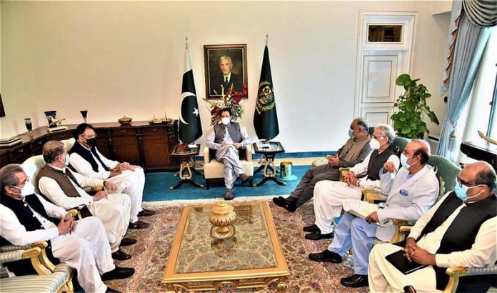 ISLAMABAD: September 02 - Senior PTI leaders called on Prime Minister Imran Khan. APP