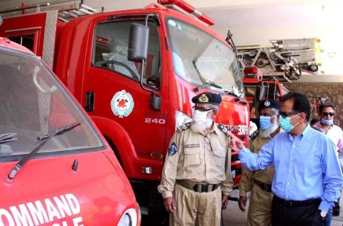 ISLAMABAD: September 24 - Administrator Karachi Iftikhar Ali Shallwani visiting central fire brigade station. APP photo by Syed Abbas Mehdi
