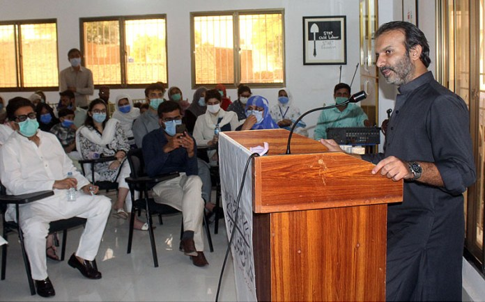 MULTAN: October 03 - MD Bait Ul Maal Aon Abbas Bapp addressing during his visit at Shelter Home of Taare Zameen Par Trust. APP photo by Tanveer Bukhari