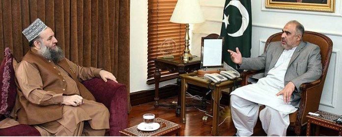 ISLAMABAD: October 01 - Federal Minister for Religious Affairs & Interfaith Harmony Pir Noor-ul-Haq Qadri calls on Speaker National Assembly Asad Qaiser. APP