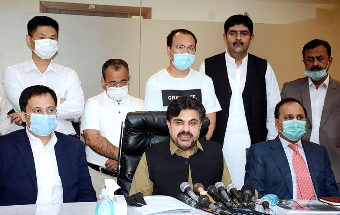 KARACHI: October 13 - Provincial Minister for Local Government, Information, Housing & Town Planning, Forest and Religious Affairs Syed Nasir Hussain Shah addressing a press conference regarding garbage tracking and collection system for Malir District at Local Government Department Competitive and Liveable City of Karachi. APP Photo by Saeed Qureshi