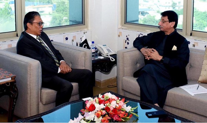 ISLAMABAD: October 01 – High Commissioner of Malaysia in Pakistan Ikram Mohammad Ibrahim calls on Federal Minister for IT and Telecommunication, Syed Amin ul Haque. APP