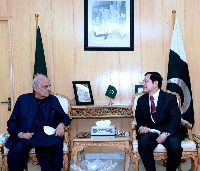ISLAMABAD: October 02 - Federal Minister for Interior ijaz Ahmad Shah meets with the Ambassador of Kingdom of Thailand H,E. Mr.Pronpop Uampidhaya at the Ministry of Interior. APP