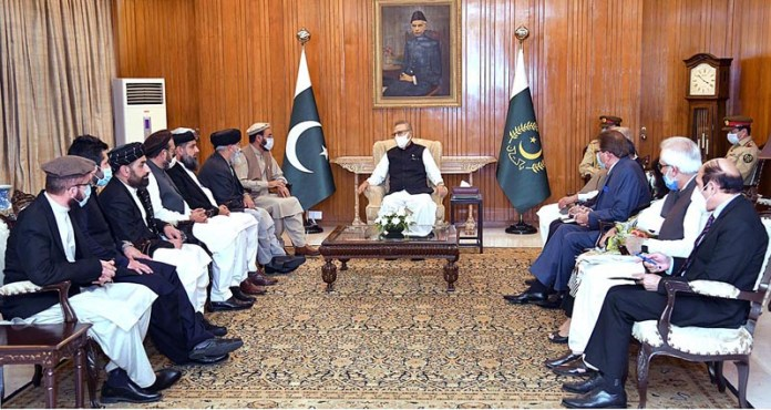 ISLAMABAD: October 20 - Leader of Hezb-e-Islami Afghanistan, Gulbuddin Hekmatyar called on President Dr. Arif Alvi at Aiwan-e-Sadr. APP