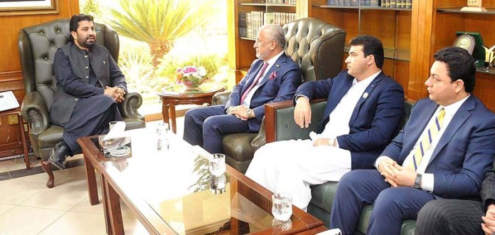 ISLAMABAD: October 28 - Afghan Minister for Industries and Commerce Nisar Ahmad Ghoryani called on Deputy Speaker National Assembly Qasim Khan Suri at Parliament House. Chairman Standing Committee on Health & Youth Affairs Najeebullah Naser is also present. APP
