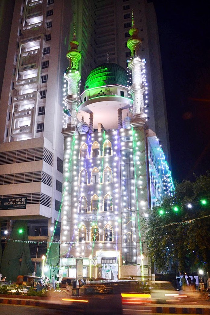 KARACHI: October 23 – An illuminated view of a Masjid decorated with colourful lights in connection with Eid-e-Milad-un-Nabi (SAWW) celebrations. APP photo Abbas Mehdi