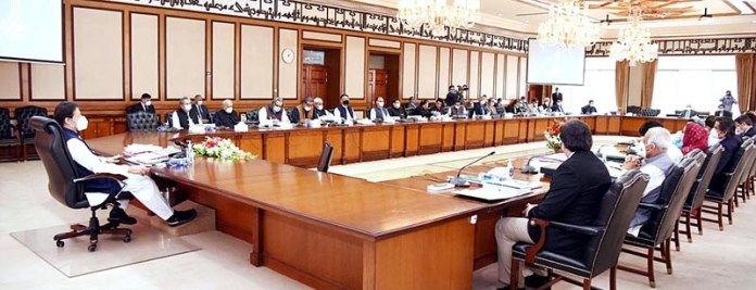 ISLAMABAD: October 13 – Prime Minister Imran Khan chairing the meeting of the Federal Cabinet. APP