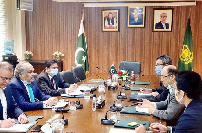 ISLAMABAD: November 05 - Federal Secretary Ministry of IT and Telecommunication, Shoaib Ahmad Siddiqui in a meeting with Japanese delegation. APP
